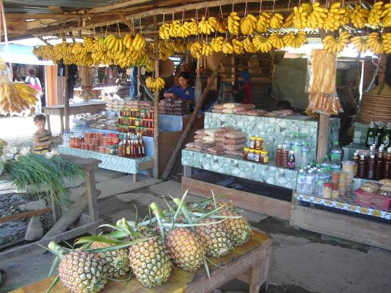 Fruit stalls near Pekan Nabalu